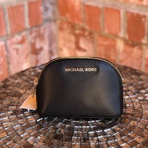 Michael kors jet set travel medium caryall pouch